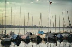 Panorama van de varende het jachtsporten van Binnenalster stock foto