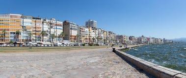 Panorama van de waterkant van Izmir, Turkije Royalty-vrije Stock Foto's