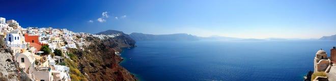 Panorama van de witte huizen van Santorini Royalty-vrije Stock Afbeeldingen