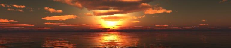 Panorama van de zonsondergang over het overzees, het overzees die, het licht over het overzees toenemen stock afbeeldingen