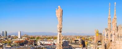 Panorama van Duomo dak, Milaan, Italië Stock Fotografie