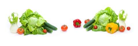 Panorama van een Groene kool Rode tomaten en komkommers op een witte achtergrond Stock Afbeelding