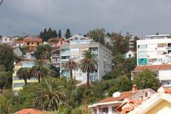 Panorama van een kleine Europese stad in Montenegro Stock Fotografie