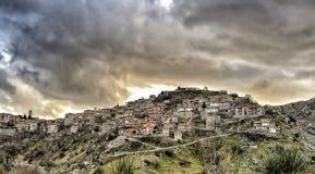 Panorama van een mooi bergdorp Dimitsana, Pelop royalty-vrije stock foto's