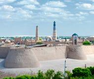 Panorama van een oude stad van Khiva, Oezbekistan Stock Foto's