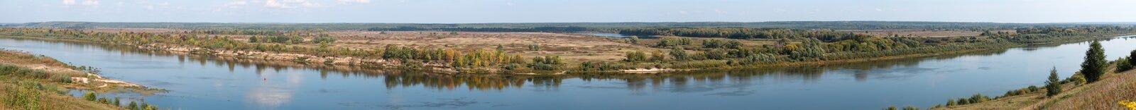 Panorama van een rivier Stock Foto
