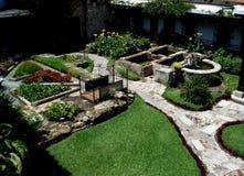 Panorama van een tuin in Antigua Guatemala wordt gevestigd dat stock afbeelding