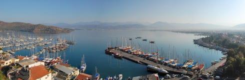 Panorama van Fethiye, Turkije in de ochtend Stock Fotografie