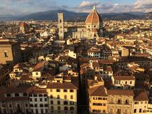 Panorama van Florence en duomo van Arnolfo-toren royalty-vrije stock afbeelding