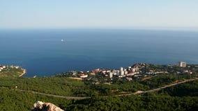 Panorama van foros met bergen van de Krim stock videobeelden
