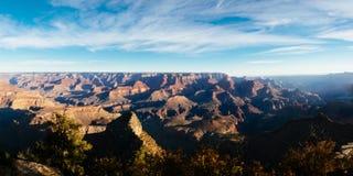 Panorama van Grand Canyon op zonnige dag Royalty-vrije Stock Foto