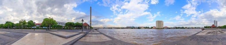 360 panorama van grote brug in het park Royalty-vrije Stock Fotografie