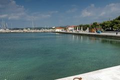 Panorama van haven van Nikiti bij Sithonia-schiereiland, Chalkidiki, Cent Stock Afbeelding