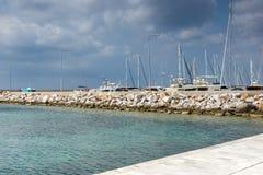 Panorama van haven van Nikiti bij Sithonia-schiereiland, Chalkidiki, Cent Royalty-vrije Stock Afbeeldingen