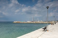 Panorama van haven van Nikiti bij Sithonia-schiereiland, Chalkidiki, Cent Royalty-vrije Stock Afbeelding