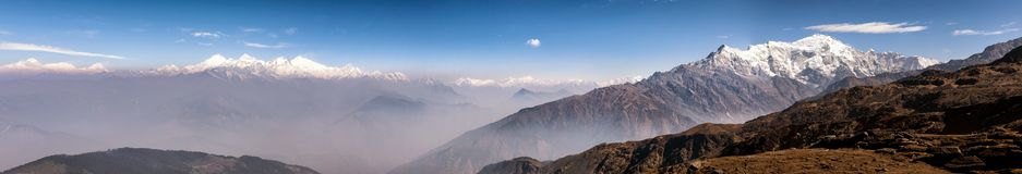 Panorama van het Himalayagebergte royalty-vrije stock fotografie
