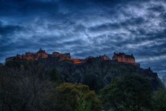 Panorama van het Kasteel van Edinburgh bij Nacht royalty-vrije stock foto's
