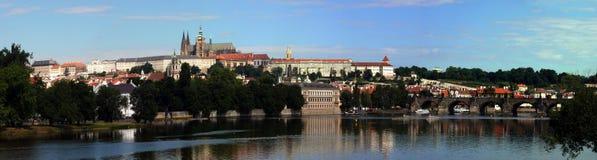 Panorama van het Kasteel van Praag Stock Foto