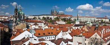 Panorama van het kasteel van Praag Stock Foto's