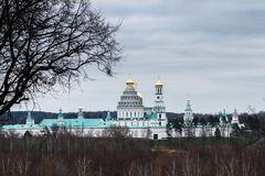 Panorama van het Klooster van Jeruzalem van Voskresensky of van de Verrijzenis Nieuwe Stock Afbeelding