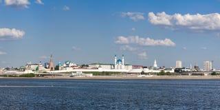Panorama van het Kremlin en het centrale deel van Kazan stock fotografie