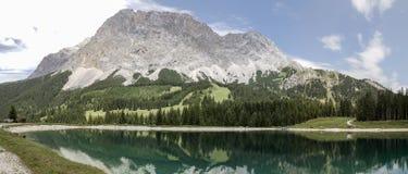Panorama van het Meer van Ehrwald Alpin Stock Foto
