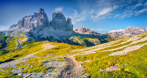 Panorama van het Nationale Park Tre Cime di Lavaredo met rifugio Royalty-vrije Stock Afbeeldingen