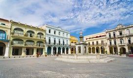 Panorama van het Oude plein Vieja van Havana, Stock Afbeelding