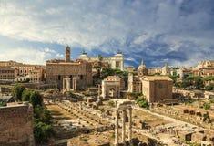 Panorama van het Roman forum, mening van hierboven rome stock afbeeldingen
