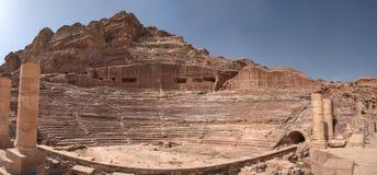 Panorama van het Roman theater in de oude stad van Petra stock foto's
