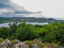 Panorama van het schiereiland Tihany, Hongarije stock afbeeldingen