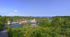 Panorama van het waterpaleis van Taman Ujung op Bali Stock Afbeeldingen