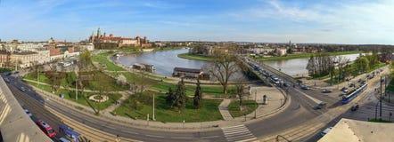 Panorama van het Wawel-Kasteel en de rivierkromming Royalty-vrije Stock Fotografie
