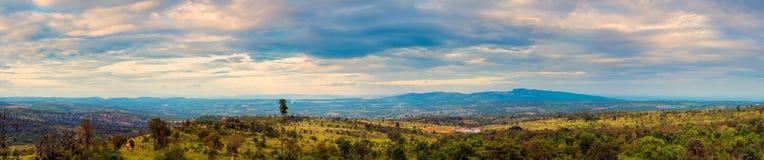 Panorama van hooggebergte in platteland van Thailand Stock Foto's
