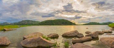 Panorama van HUBekang reservoir, Uthai-thani Royalty-vrije Stock Foto