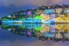 Panorama van Istanboel en Bosporus bij nacht Royalty-vrije Stock Foto