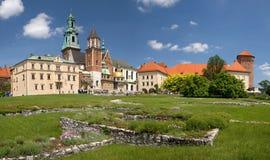 Panorama van Kasteel Wawel in Krakau, Polen Stock Foto's
