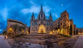 Panorama van Kathedraal van het Heilige Kruis en de Heilige Eulalia in Stock Fotografie