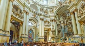 Panorama van kerk` s binnenland Royalty-vrije Stock Afbeeldingen