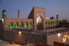 Panorama van Khiva Oezbekistan Centraal-Azië bij zonsondergang stock afbeeldingen