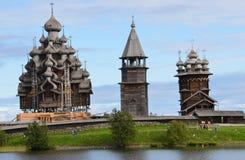 Panorama van Kizhi in de zomer, Rusland stock foto's