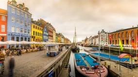 Panorama van kleurrijke gebouwen in Nyhavn stock foto