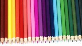 Panorama van kleurrijke potloden stock footage