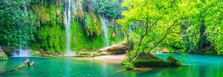 Panorama van Kursunlu-waterval, Aksu, Turkije stock afbeeldingen