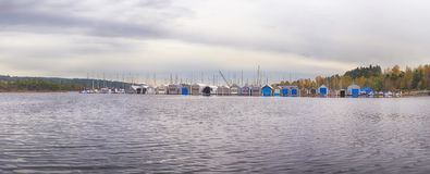 Panorama van Ladysmith-jachthaven, in het Eiland van Vancouver, B wordt genomen die royalty-vrije stock foto's