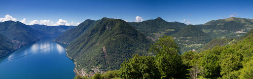 Panorama van Lago Di Como Royalty-vrije Stock Afbeeldingen