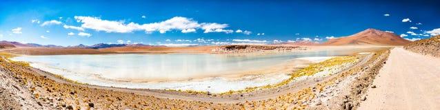 Panorama van Laguna Chalviri in Bolivië Royalty-vrije Stock Afbeelding