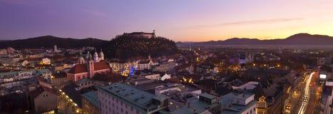Panorama van Ljubljana bij schemer. Royalty-vrije Stock Foto