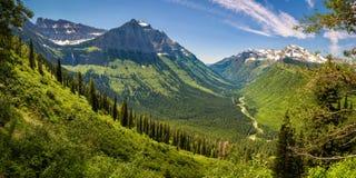 Panorama van Logan Pass in Gletsjer Nationaal Park, Montana stock fotografie