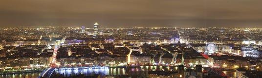 Panorama van Lyon 's nachts, Frankrijk royalty-vrije stock afbeeldingen